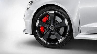 Brake calipers in red