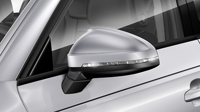 Exterior mirrors power-adjustable and heated