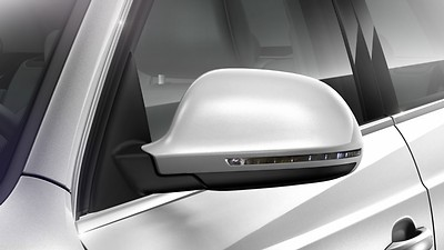 Exterior mirrors with integrated LED indicators, electrically adjustable and heated