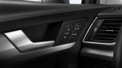 Electrically adjustable front seats with memory function for the driver's side