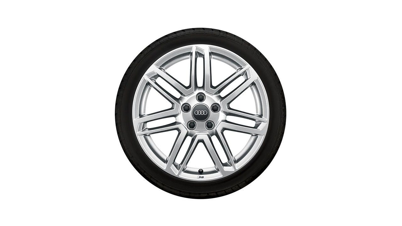 Complete winter wheel in 7-twin-spoke design with RS lettering, galvanic silver, metallic, 8.5 J x 18, 245/40 R18 97V XL, left
