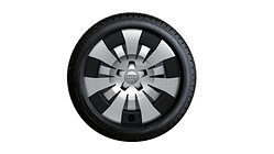 Complete steel winter wheel with full wheel cover, 6.5 J x 16, 205/55 R16 91H, right