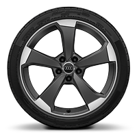 Alloy wheels 8.5J x 19 in front, with 8J x 19 in rear