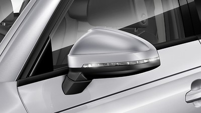 Exterior mirror housings painted in body colour