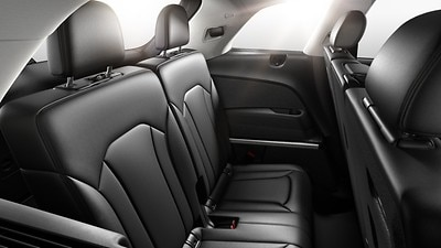 Five rear seats (with armrest)