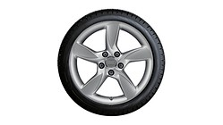 Complete winter wheel in 5-arm helica design, brilliant silver, 6.5 J x 17, 205/50 R17 93H XL, left