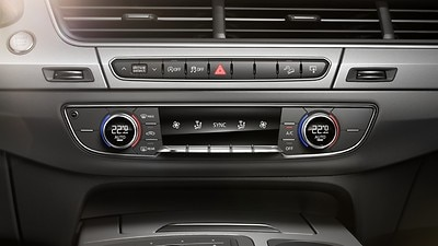 Deluxe 4-zone climate control