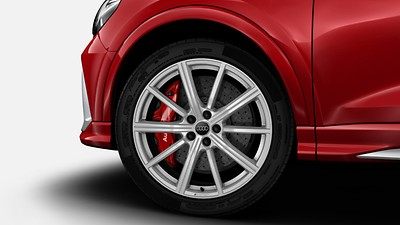 RS ceramic brakes with brake calipers in Red