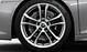 Aluminium-Gussräder im 5-V-Speichen-Design, Größe 8,5 J × 19 vorn, 11 J × 19 hinten, mit Reifen 245/35 R 19 vorn und 295/35 R 19 hinten
