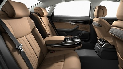 Individual electrically adjustable outer rear seats