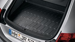Luggage compartment shell, for vehicles with a repair kit