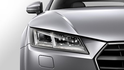LED headlights with LED rear lights and dynamic rear indicators