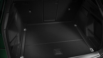 Removable luggage compartment floor