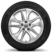 "18"" x 7.0J '10-spoke' design alloy wheels with 215/50 R18 tyres"