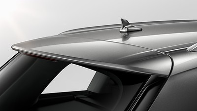 Roof spoiler including center high-mounted stop lamp