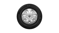 Complete steel winter wheel with full wheel cover, brilliant silver, 6 J x 16, 205/60 R16 92H, left
