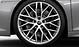 Aluminium-Schmiederäder im 10-Speichen-Y-Design, glanzgedreht, Größe 8,5 J × 20 vorn, 11 J × 20 hinten, mit Reifen 245/30 R 20 vorn und 305/30 R 20 hinten