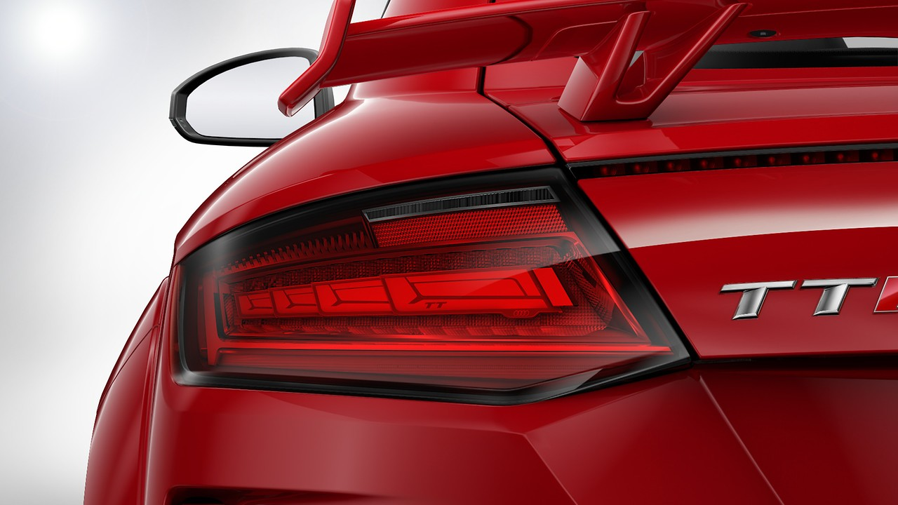 Audi Matrix OLED rear lights